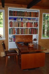 Bookcase with Intrgrated